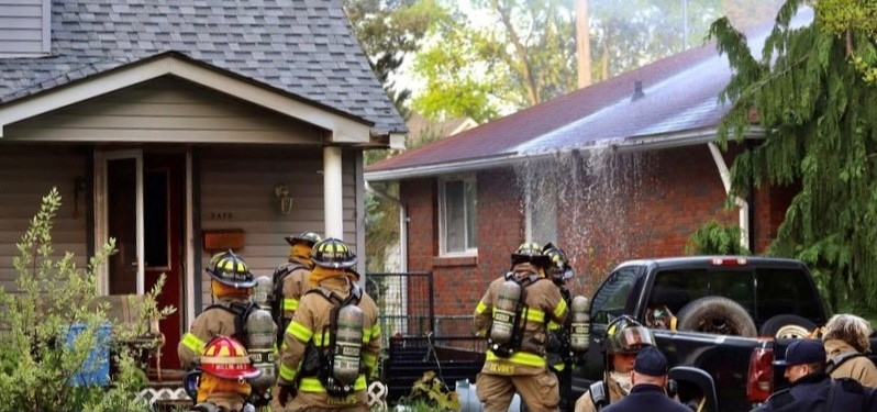 Windsor Fire and Rescue crew battle blaze on Bernard Road on Sunday, May 9, 2021. (Courtesy: _OnLocation_ / Twitter)