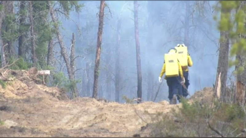 The fire broke out over the weekend between the Manitoba communities of Sandilands and Woodridge. It is estimated to be between 800 and 900 hectares in size.