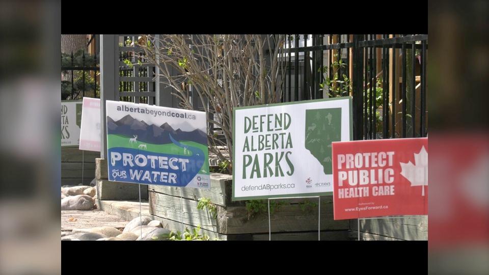 signs, political, discontent, alberta