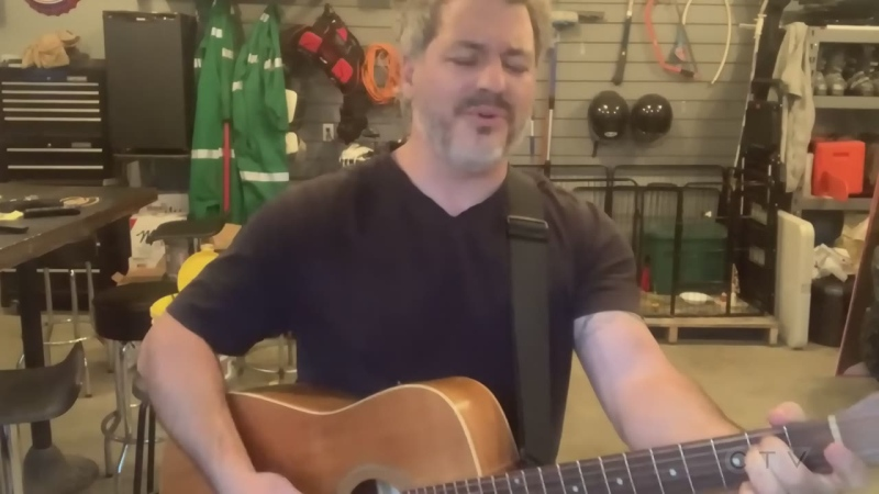 New Liskeard man covers Bruce Springsteen