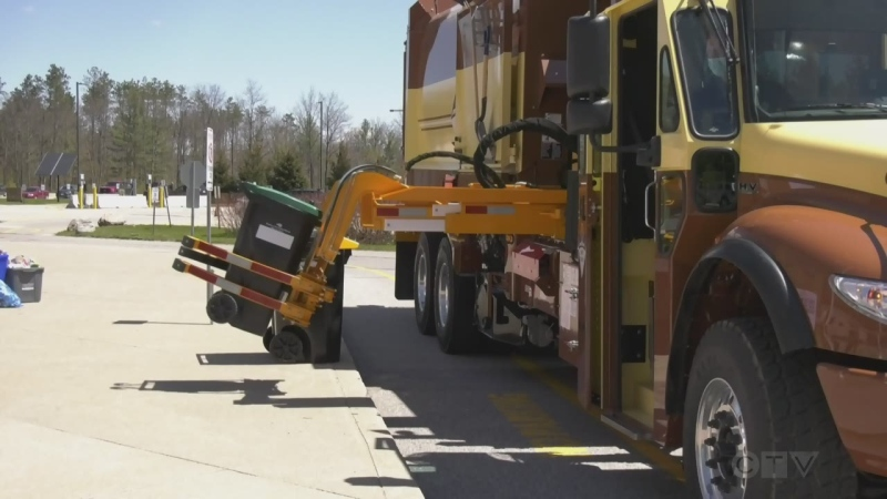 County of Simcoe curbside collection. (Rob Cooper/CTV News)
