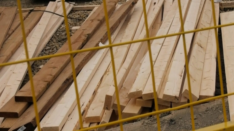 Lumber prices skyrocket in pandemic