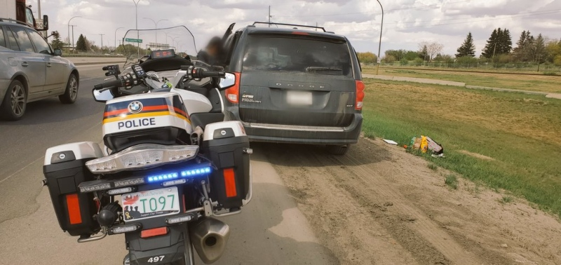 Police tweeted out the officer could smell cannabis smoke coming out of the van. (Saskatoon Police Serive/Twitter)
