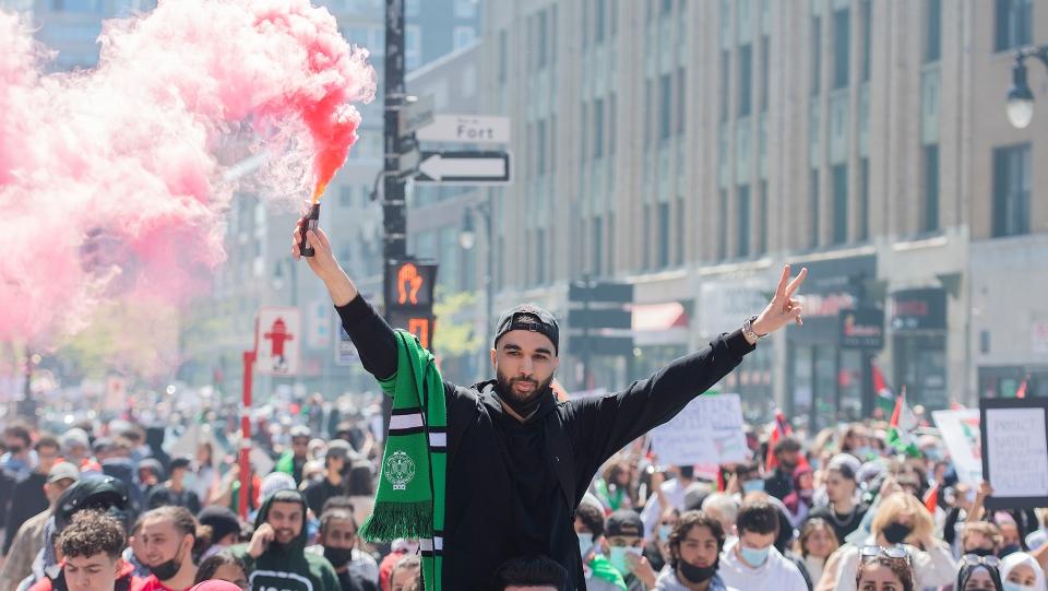 Thousands demonstrate denouncing Israel