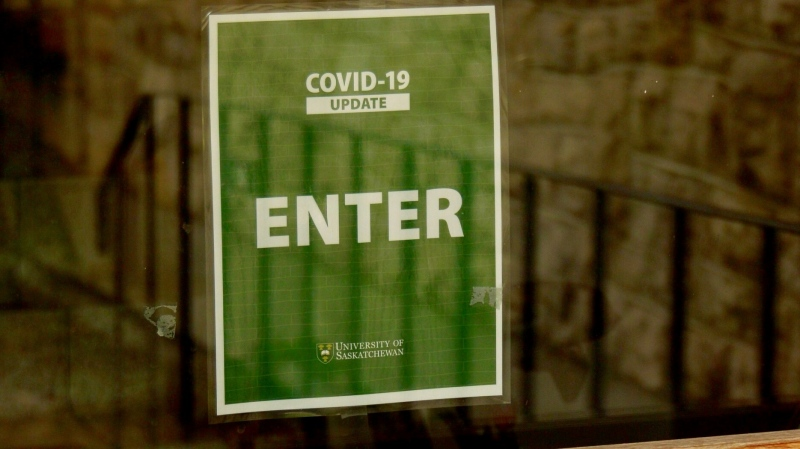 University of Saskatchewan doors used to be blocked. New signs now permit entry. (Chad Hills/CTV News)