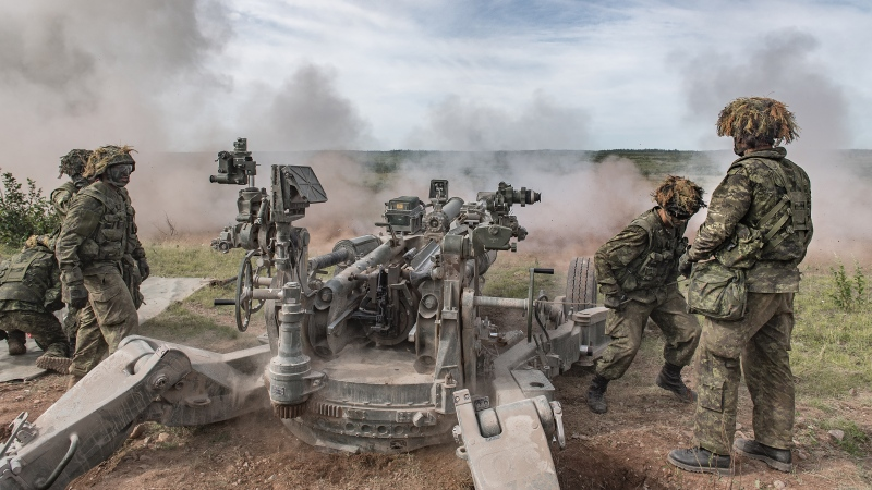 Artillery gunners conduct anti-tank drills at Canadian Forces Base Gagetown, N.B on July 25, 2019. (Cpl. Genevieve Lapointe/DND Canada)