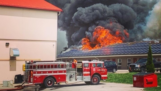 A fire broke out at the Sutton Park Inn in Kincardine, Ont. on Wednesday, May 26, 2021. (Source: Leahanne Mackay))