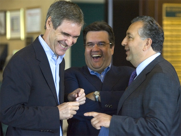 Deputy Liberal leader Michael Ignatieff, MP Denis Coderre and MP Paul Zed share a laugh at the national Liberal caucus in St. John's, N.L. on Wednesday, Aug. 29, 2007. (CP / Jonathan Hayward)