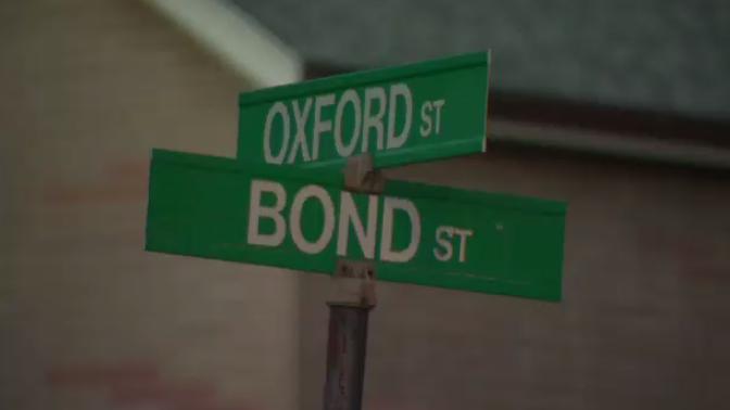 Bond St Cambridge sign
