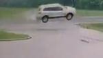 Vehicle goes airborne in St. Thomas, Ont. crash
