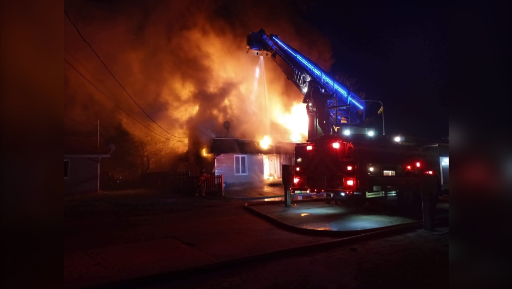 Saturday morning apartment fire on 4th St.