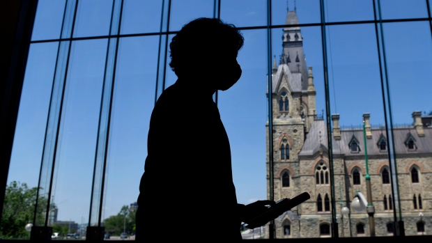 House of Commons paying tribute to family killed in London, Ont., leaders to attend vigil