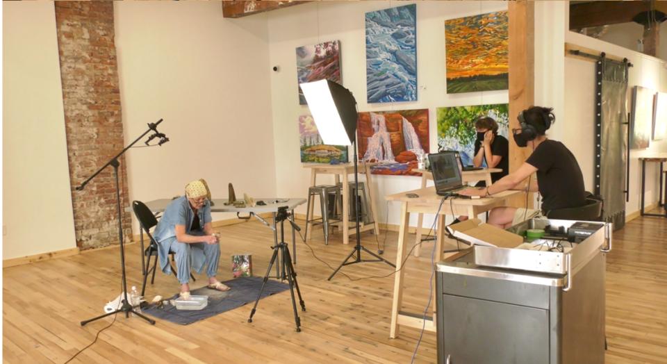 Virtual therapeutic art class in Orillia