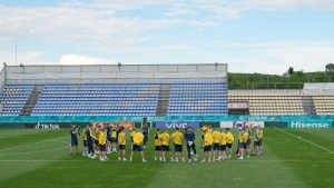 Ukraine's national soccer team players take part in a training session in Voluntari, on the outskirts of Bucharest, Romania, on June 9, 2021. (Vadim Ghirda/ AP)
