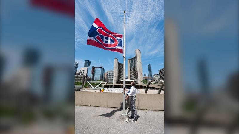 Toronto Mayor John Tory made good on a bet with his Montreal counterpart by flying a Habs flag atop city hall. (Photo: Twitter)