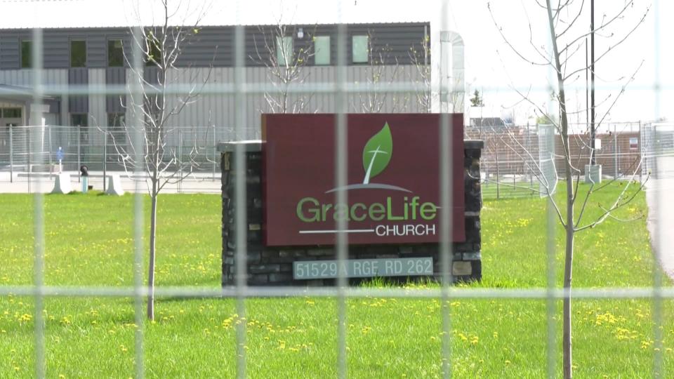 GraceLife, locked up, fence