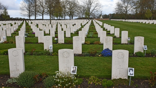 An organization in the Netherlands is working to put photo next to the graves of Canadian soldiers. (Supplied: Else Schaberg)