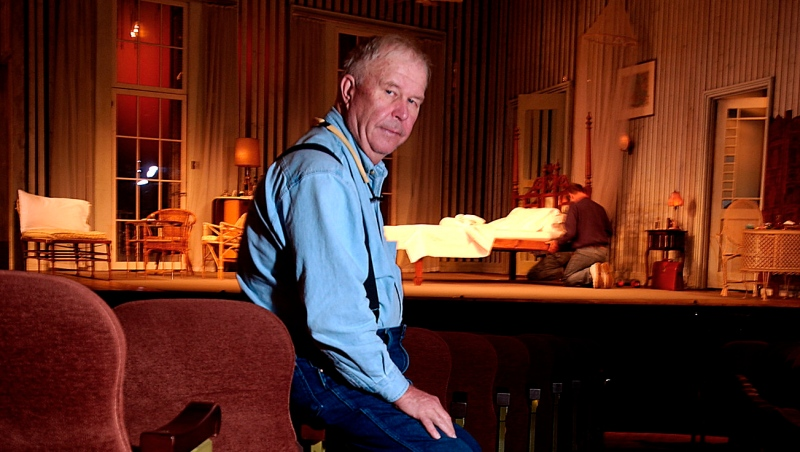 """In this Oct. 17, 2003, file photo, actor Ned Beatty poses at New York's Music Box Theatre where he plays the role of Big Daddy in a new production of Tennessee Williams' """"Cat on a Hot Tin Roof."""" (AP Photo/Gino Domenico, File)"""