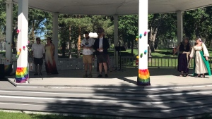 The wedding was open to couples of all orientations who were either getting married for the first time or who wanted to renew their original wedding vows. (Stefanie Davis / CTV News Regina)
