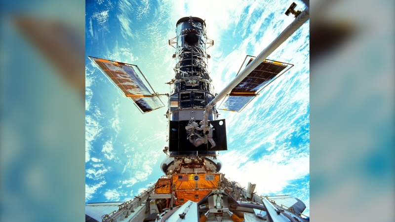 During the December 1999 Hubble Space Telescope servicing mission of STS-103, flown by Discovery. (NASA / JSC)