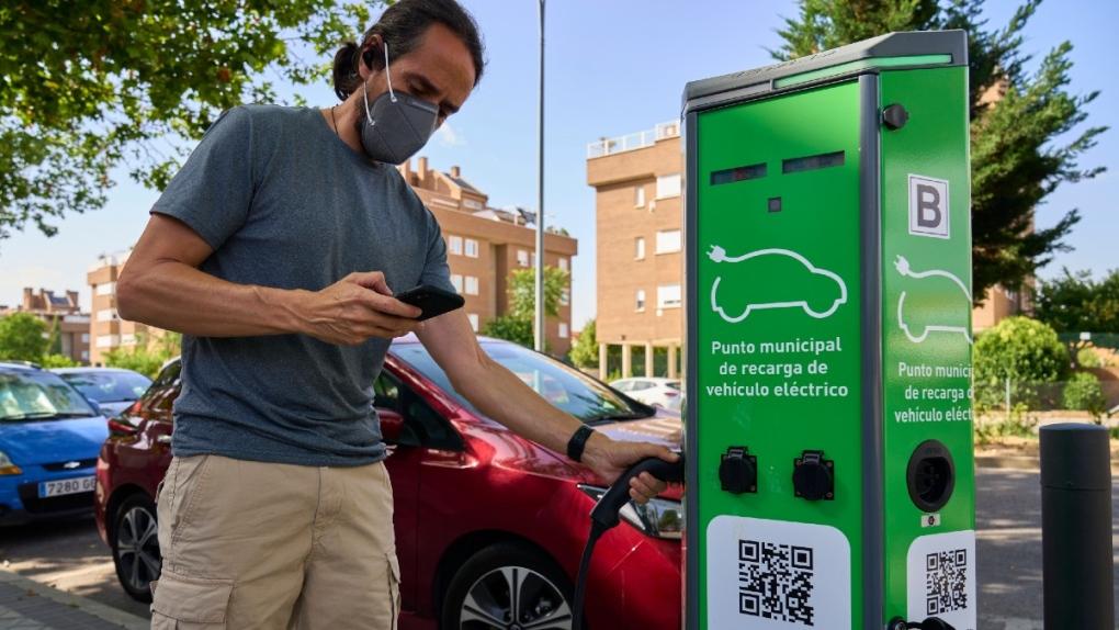 Charging an EV in Rivas Vaciamadrid, Spain