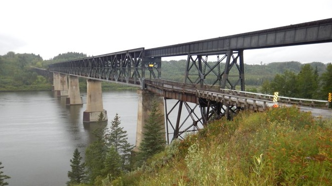 The Ministry of Highways closed the old Highway 35 bridge in Nipawin on Wednesday due to rapidly deteriorating conditions. (Highway Hotline/Twitter)