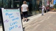 The SHA held a first-dose Pfizer clinic in downtown Regina (Gareth Dillistone/CTV News)