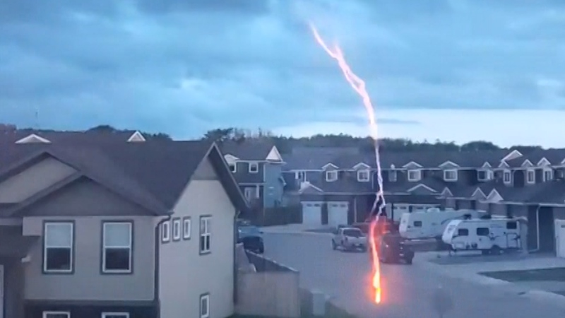 Lightning strike in Sylvan Lake