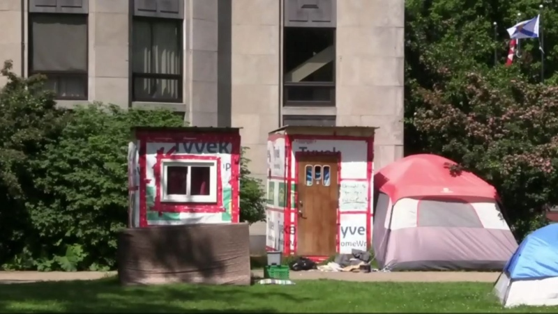 Temporary crisis shelters