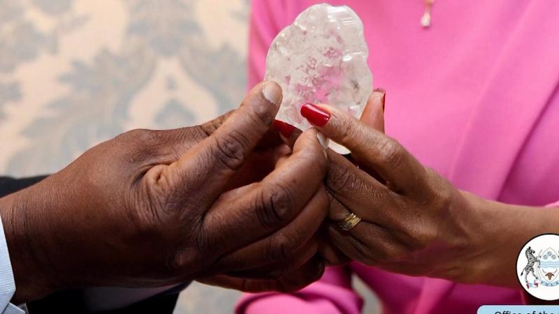 Enormous 1,098 carat diamond found in Botswana