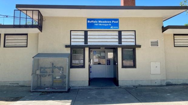 A new sign is displayed a Buffalo Meadow Pool. (Gareth Dillistone, CTV News)