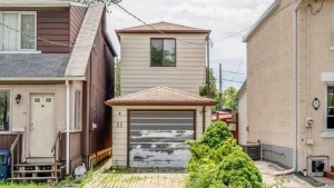 The home located at 11 Lucy Avenue is seen in this photo. (Realtor.ca)