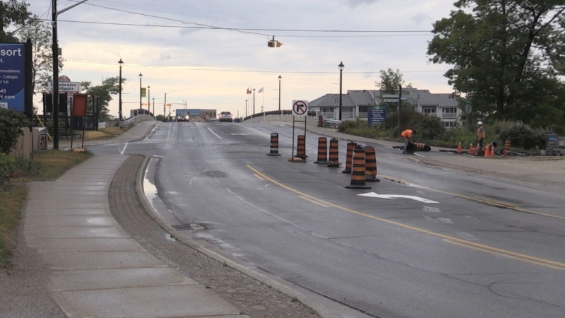 Police are investigating a stabbing on Main Street Bridge in Wasaga Beach, Ont. on Thurs. June 17, 2021. (Roger Klein/CTV News)