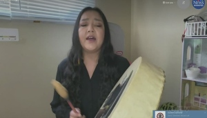Lisa Muswagon shares a drum song and explains what it represents in her culture. Rachel Lagacé has more.