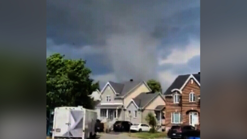 At least one person dead after tornado in Que.