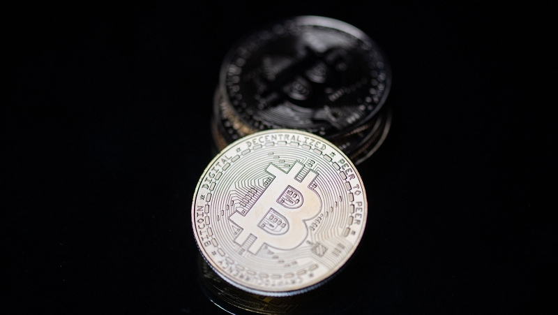 Bitcoin tanked on June 22 as China escalated its crackdown on cryptocurrency by further curbing mining activity and telling major payments platforms and lenders that crypto trading won't be tolerated. (Martin Bureau/AFP/Getty Images)