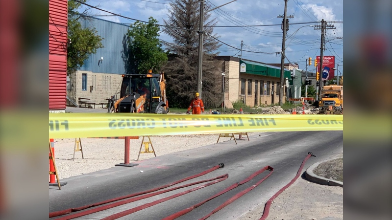 Manitoba Hydro works to repair a gas leak in the 900 block of Wall Street on June 22, 2021. (CTV News Photo Jamie Dowsett)