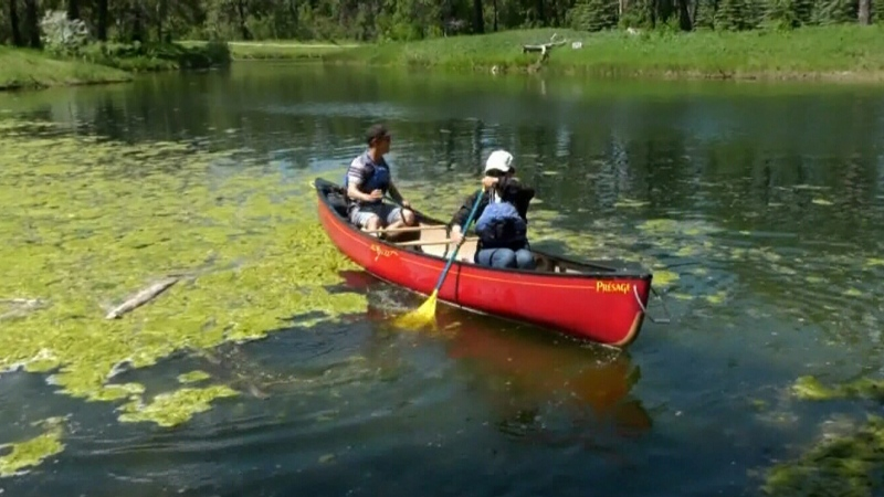 Course teaches canoe