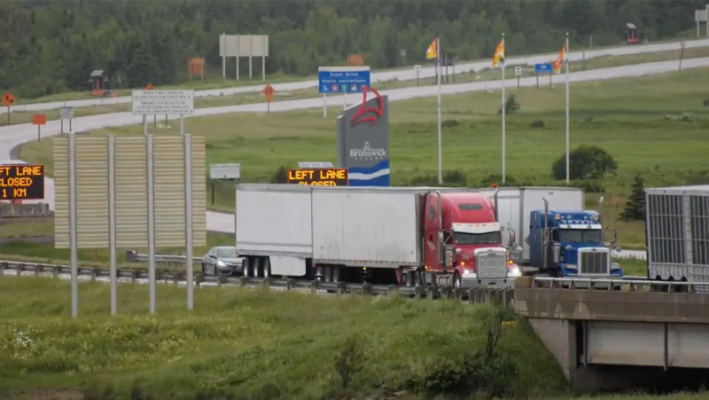 The border between Nova Scotia and New Brunswick remains blocked in both directions on Wednesday morning, as residents on both sides of the border continue to protest Nova Scotia's restrictions on travellers from New Brunswick. (Photo via Carl Pomeroy / CTV Atlantic)
