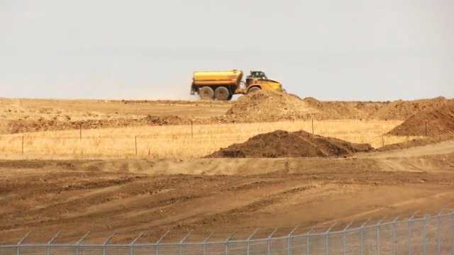 A new $700 million solar project is under construction in Vulcan county, Alta., prompting excitement among local residents who have struggled in the energy downturn