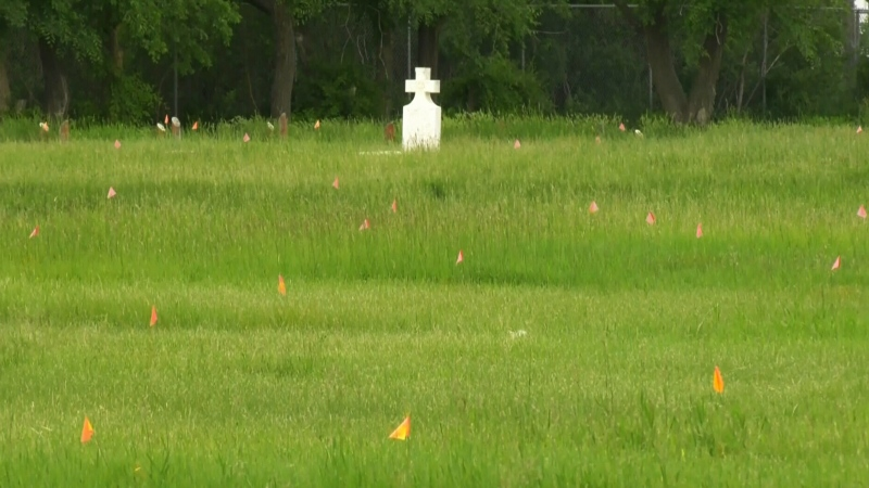 751 unmarked graves