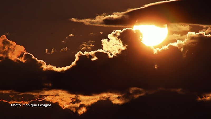 The heat of the day brings on a ball of fire in the sky in Luskville, Quebec (Monique Lavigne/CTV Viewer)