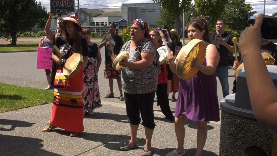 Rally held outside Campbell River RCMP detachment