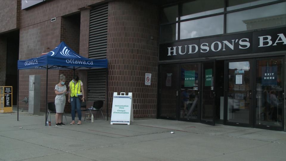 Hudson's Bay vaccine clinic Ottawa