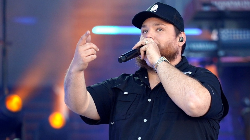 Luke Combs performs at the CMT Music Awards