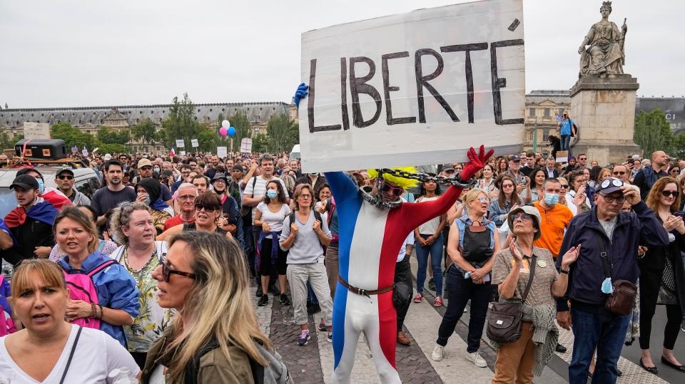 Anti-vaccine protest France