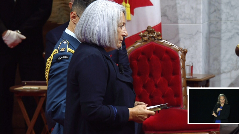 Mary Simon takes the oaths of office