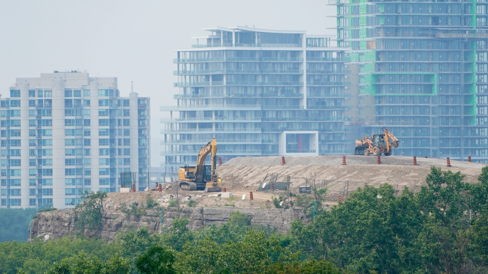 Construction in the city of Gatineau, Que.