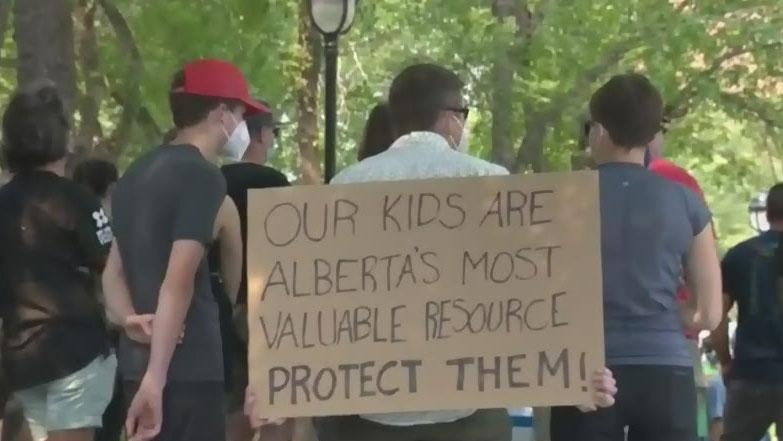 Doctors rally in Calgary and Edmonton