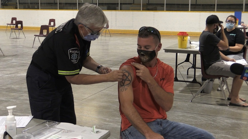 Dave Hatch gets a COVID-19 vaccination at a pop-up clinic in Ingersoll, Ont. on Friday, Aug. 30, 2021. (Bryan Bicknell / CTV News)
